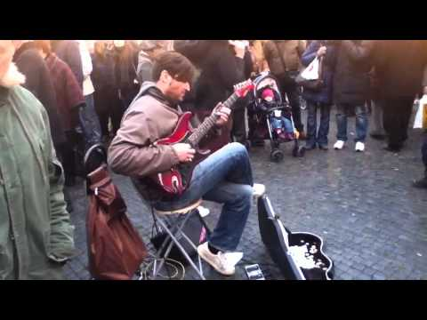 Street guitarist plays Stairway To Heaven