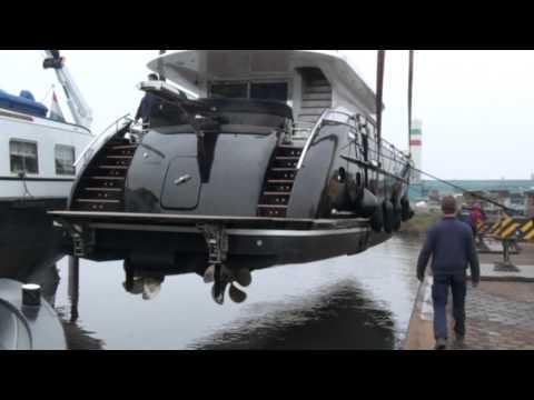 Van Der Heijden Superior 2400 Superyacht Transport DEF.mpg