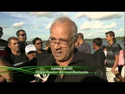 Ribeirinhos protestam contra vazão do Rio São Francisco em Neópolis