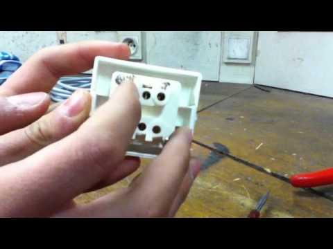 c bler un interrupteur installer un interrupteur astuce bricolage facile youtube. Black Bedroom Furniture Sets. Home Design Ideas