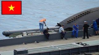Tàu ngầm Kilo của Việt Nam nạp khí tài như thế nào ?