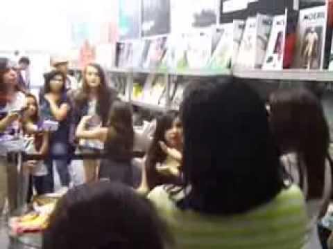 Lançamento do Livro da Bruna Vieira 'De volta as Quinze' Por Monique Mendes