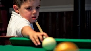 Niño de 5 años genio del pool