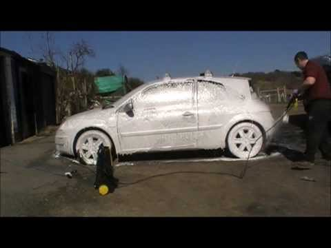 Autobrite snow foam with magifoam