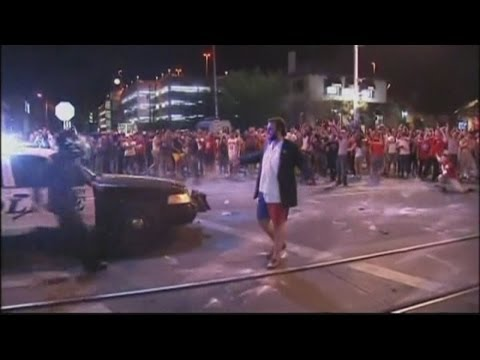 Students riot in Arizona: Violent clashes with police after basketball game