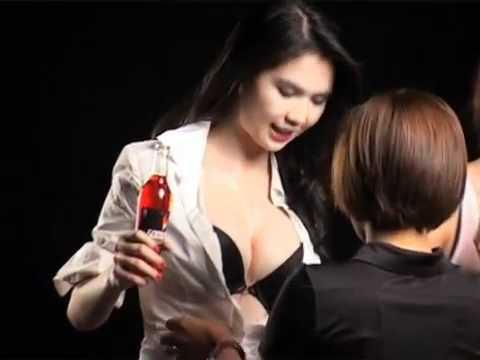 Ngọc Trinh - Yến Trang - Hoàng Yến nỏng bỏng với bikini
