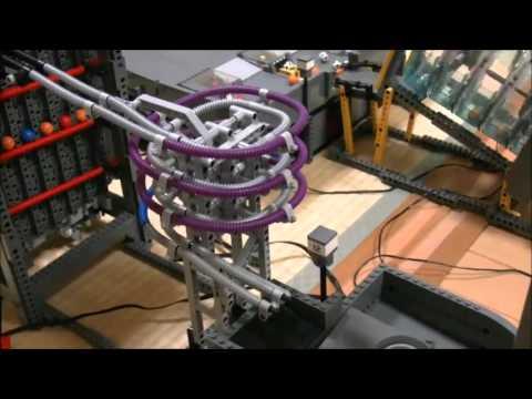 Cỗ máy đặc biệt lắp ráp bằng LEGO khiến cư dân mạng thán phục