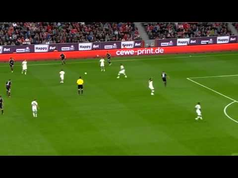 Philipp Lahm (as a defensive midfielder) Vs Leverkusen (05.10.13) 1. half