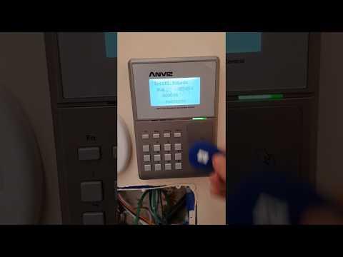 OC500 Anviz rilevazione presenze e controllo accessi integrati in Istituto Bologna