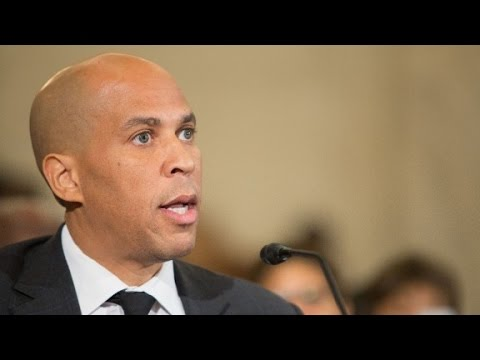 Booker: Trump 'cozying up