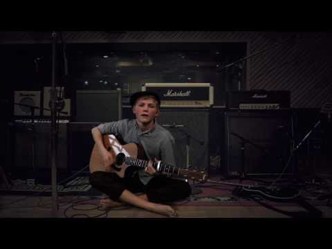 Ulrik Munther - Born This Way (Acoustic Lady Gaga cover)