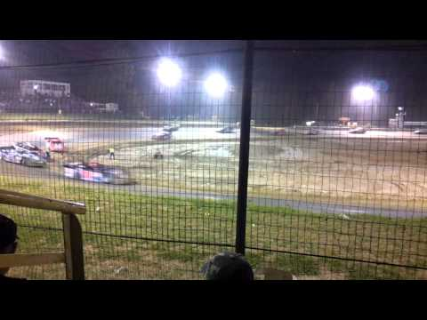 Chatham Speedway Louisiana http://tube.7s-b.com/video/e-z-eDeaFss/supr-latemodel-hot-laps-at-boothill-speedway.html