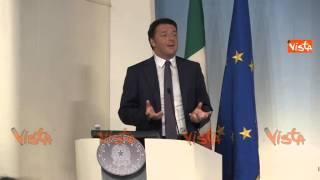 RENZI NON SONO STATO SOLO A MARE SONO CERTO CHE ITALIA CE LA PUO FARE 29-08-14