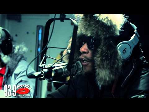 Snoop Dogg and Wiz Khalifa &#8220;House Party&#8221; Freestyle