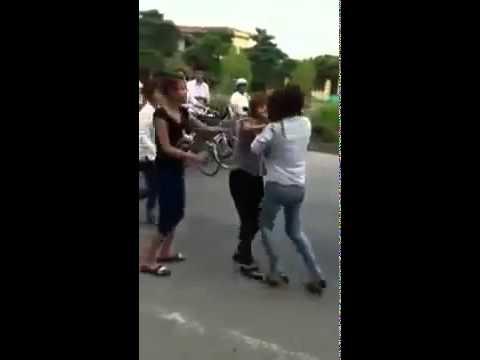 Nữ sinh Hải Phòng đánh nhau như giang hồ