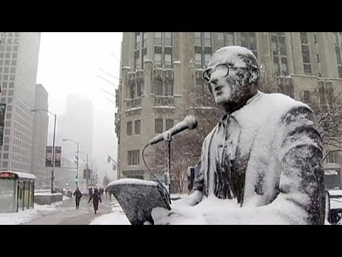 Snowstorm wreaks havoc in US Midwest - no comment
