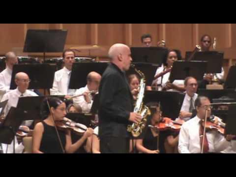 Suite Scaramouche, para saxofón y orquesta de Darius Milhaud. 2do movimiento (Moderato)