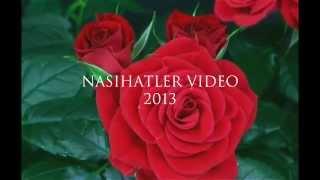 Kırmızı güllerin çicek açma anı