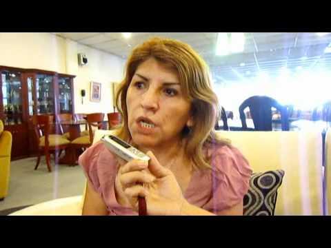 Muebles maldonado la madera de la mujer peruana youtube for Muebles maldonado