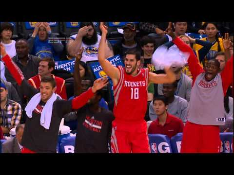 Dwight Howard Hits a Three-Pointer!