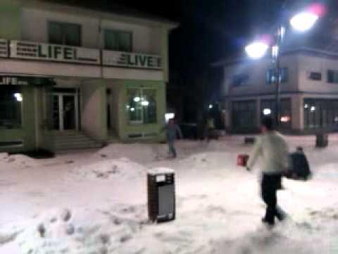 Фудбал на снегот во центарот на Берово