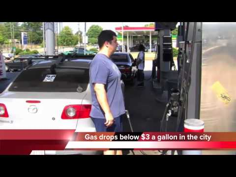 Gas prices drop below $3 in Chattanooga