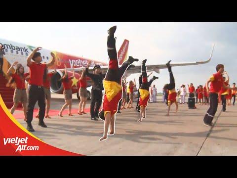 Phi công, tiếp viên Vietjet nhảy flashmob chào mừng tàu bay mới