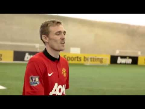 Man Utd's Darren Fletcher takes on the bwin Corner Kick Challenge