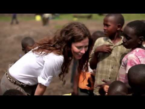 Anna Friel Discovers The Majesty Of Gorillas With WWF