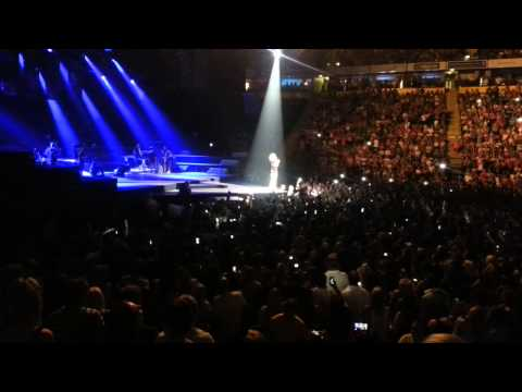 Rihanna Gets Missiles Thrown At Her In Manchester 16/7/13 - Claims EPIC FAIL! LOL