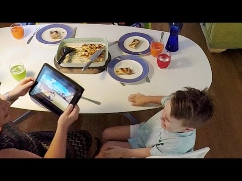 When technology has hijacked family dinnertime