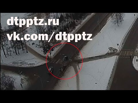 Лобовое столкновение на Карельском проспекте. Погиб водитель