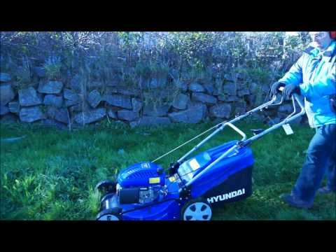 In Use Video: Hyundai HYM51SP Petrol Self Propelled 4-in-1 Rotary Lawnmower