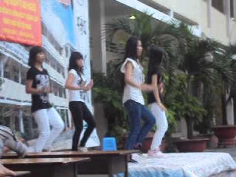 Những bước nhảy hiện đại của học sinh trường THPT Tam Hiệp !!! Xem là khoái 2