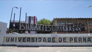 Estudantes impedem funcionários de trabalhar na reitoria da UPE