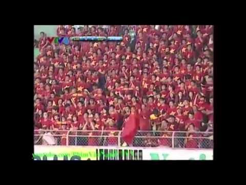 Hình ảnh tổng hợp hội CĐV bóng đá Việt Nam trên sân