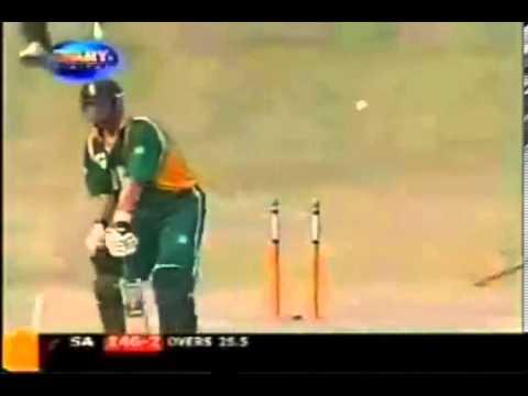 Shoaib Akhtar FAST Bowling  Too Fast for Jacques Kallis