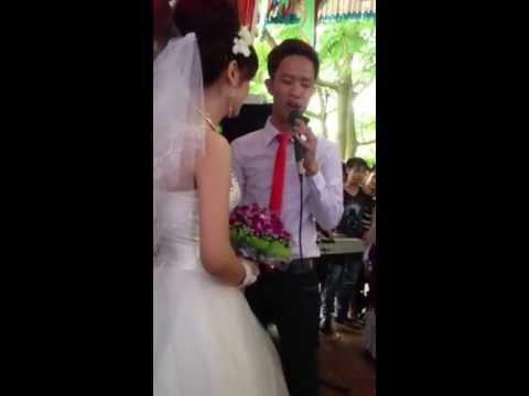 Giọng hát Phan Đình Tùng chú rể hát tặng cô dâu trong ngày cưới.MV Tình yêu tuyệt vời