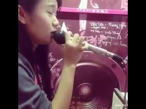 Hạnh Phúc Đó Em Không Có - Girl xinh hát karaoke