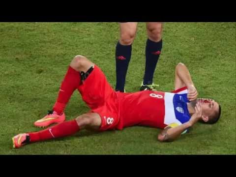 Clint Dempsey broken nose injured by Boye (USA 2-1 Ghana) World Cup BRAZIL 2014
