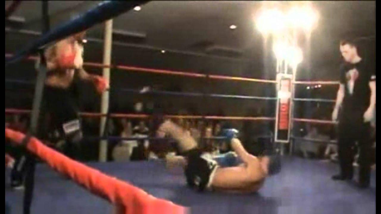 kickboxer knocks himself out video
