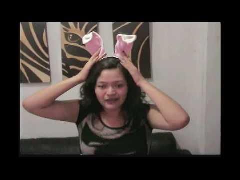 Cantando en karaoke what does the fox say - Aury Doll