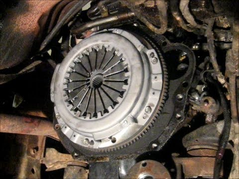 Toyota Pickup Clutch Replacement Part 2 Of 3 Youtube