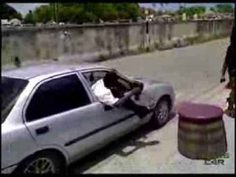 Entrar al coche como un JEFE