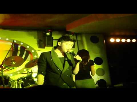 Thủy Tiên & Noo Phước Thịnh - Yêu Làm Chi (Live At ĐIỂM HẸN SÀI GÒN )