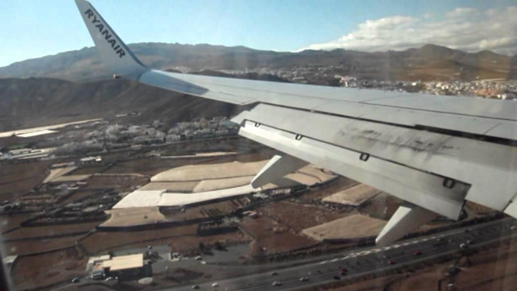 Aeroporto Gran Canaria : Landing in las palmas de gran canaria int l airport with