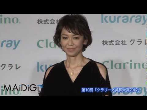 賀来千香子登場 「クラリーノ美脚大賞2012」3