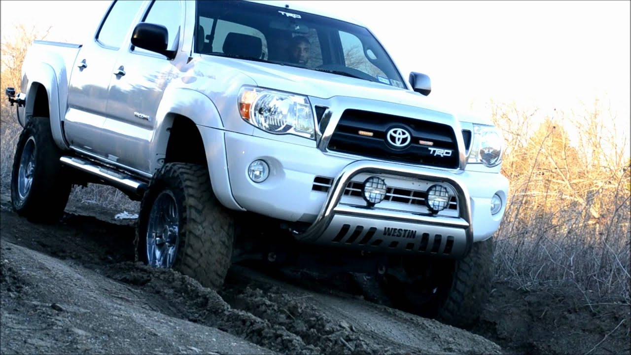 custom lifted toyota tacoma car interior design. Black Bedroom Furniture Sets. Home Design Ideas