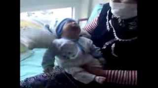 İtfaiyeciler meslektaşlarının bebeği için seferber oldu