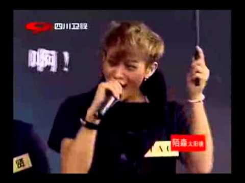 Tao giggling and screaming feat. Kris' imitation of Tao in the shower